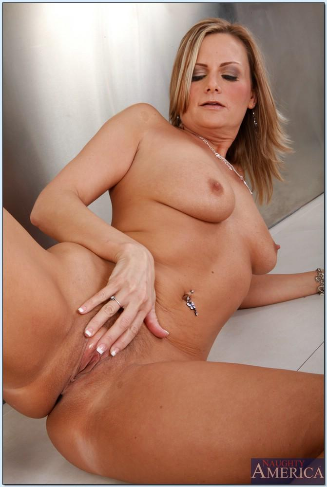 Can hot naked sexy mommy agree