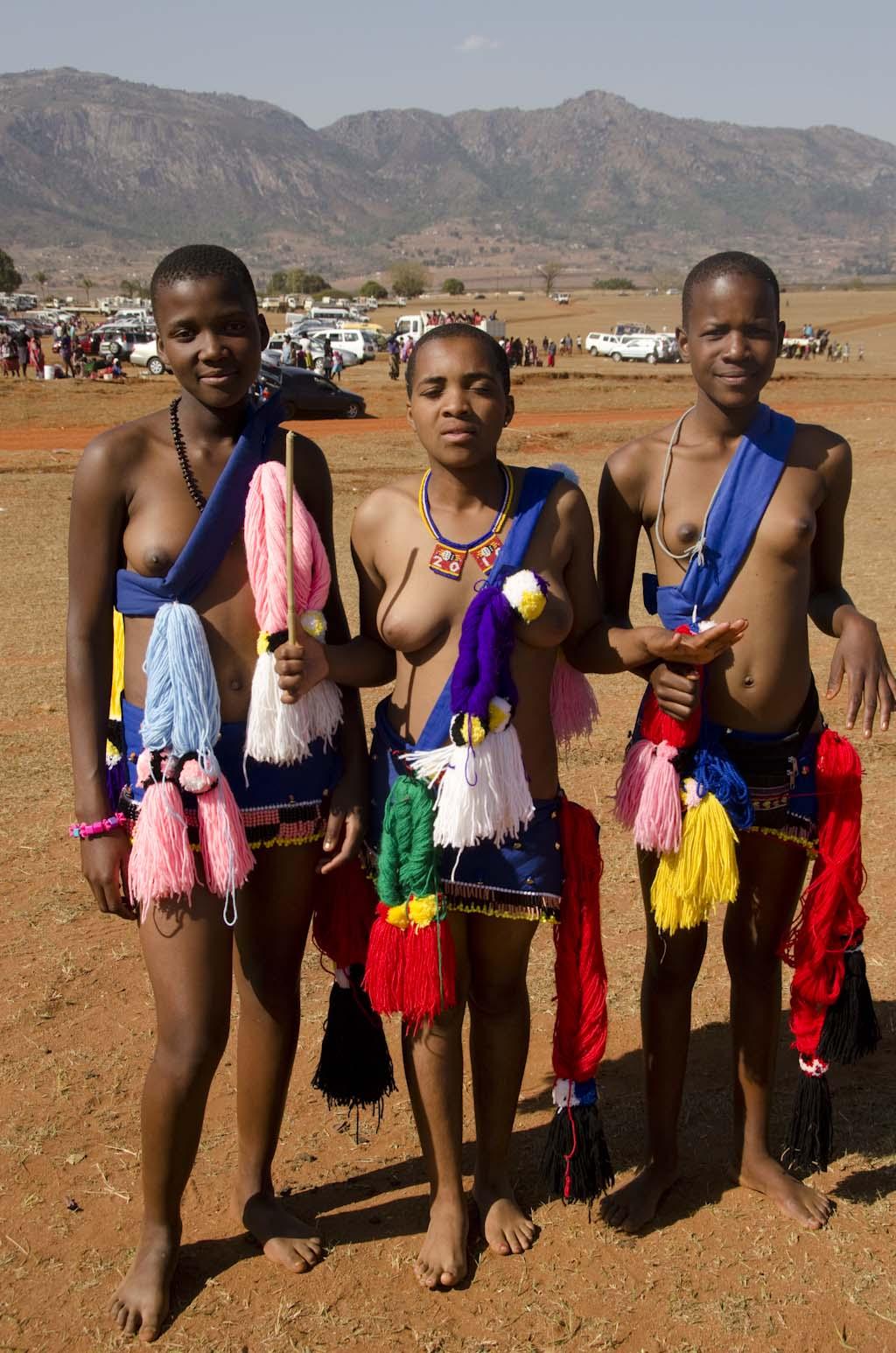 Zulu reed dance girls